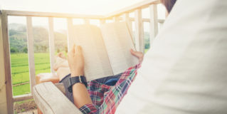 7 Healthcare Books to Read This Summer